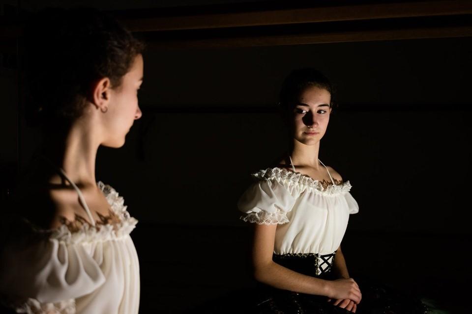 El peso y el cuerpo de una bailarina de ballet