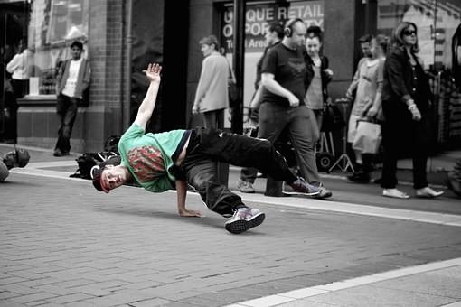 breaking hip hop
