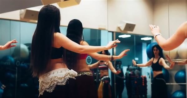 danza arabe grupal